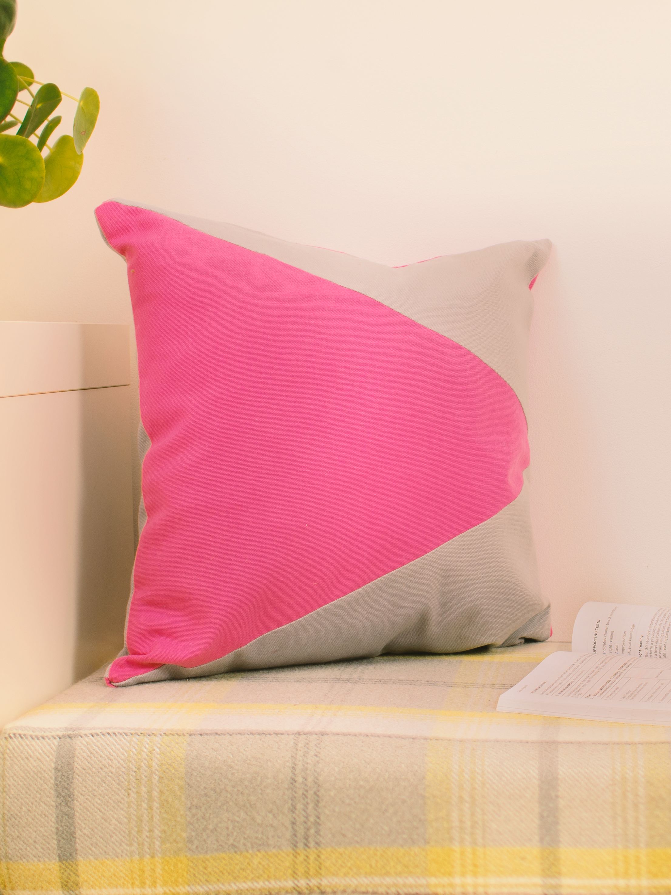 Pink & Grey Memphis Cushion